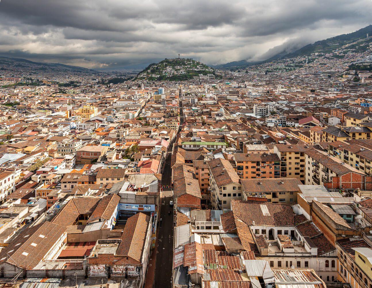Calle Venezuela, Panecillo hill and Quito old town