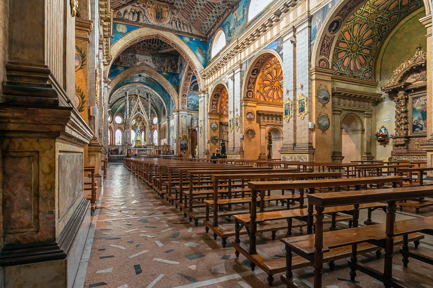 Quito Santo Domingo Church. The neoclassic and baroque central nave